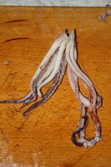 Жареные целые кальмары